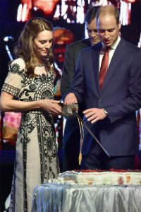 kate-middleton-in-india_650x975_61460467639