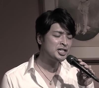 結城安浩(ゆうきやすひろ)足首クネ男のカラオケバトルがスゴイ!動画やTwitterとブログを公開!